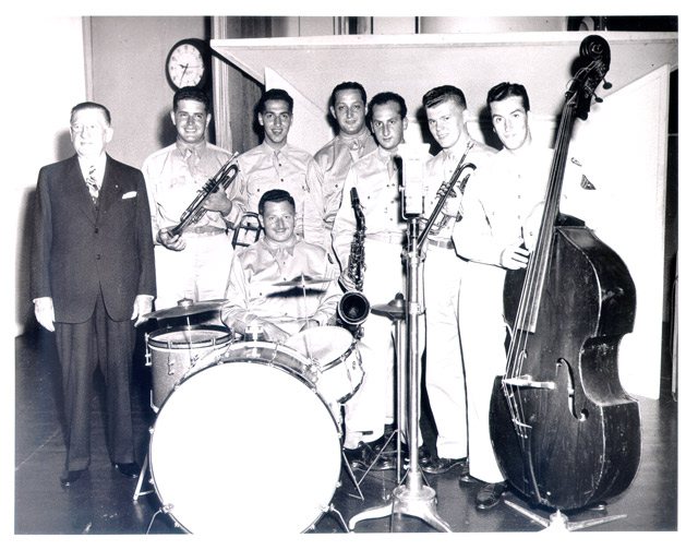 "A swing combo from Fort Slocum ready to play on CBS Radio's ""Major Bowes Amateur Hour""."